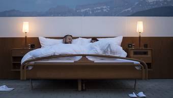 Ein Paar im Bett. (Symbolbild)