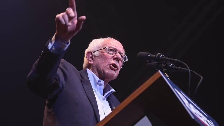 Bernie Sanders (78) . Iowa: 24 Prozent, National: 23,5 Prozent.