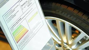 Energieetikette: Die grosse Mehrheit des Stimmvolkes lehnt sie als Grundlage der Motorfahrzeugsteuer ab . (Bild: Raphael Hünerfauth)
