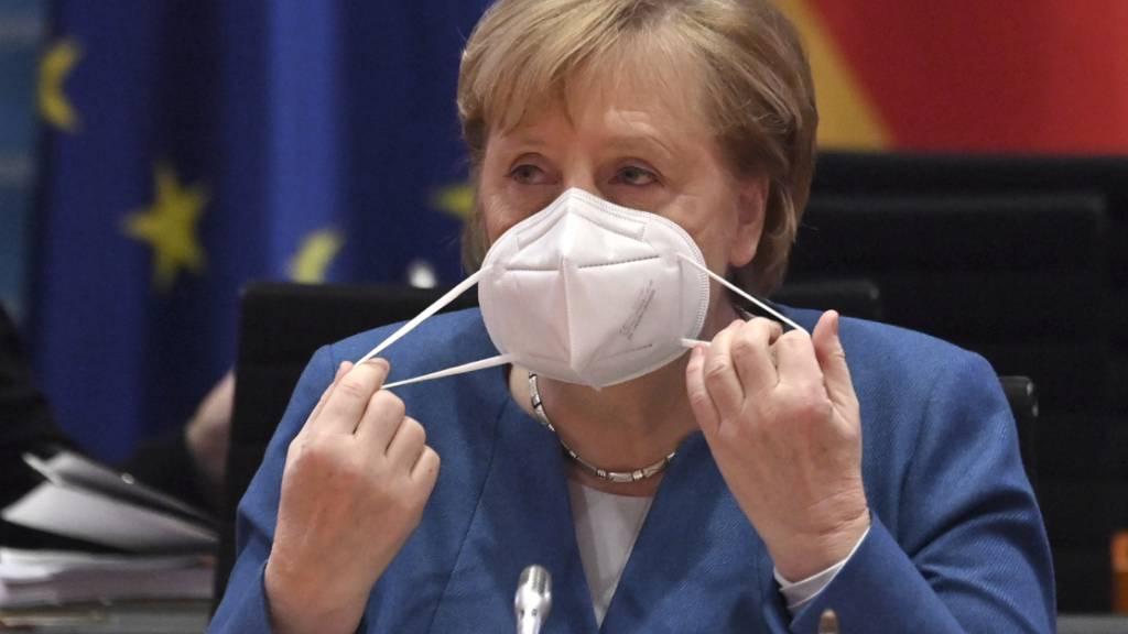 Bundeskanzlerin Angela Merkel sieht die Sperrung des Twitter-Kontos von US-Präsident Donald Trump problematisch. Foto: John Macdougall/POOL afp/dpa