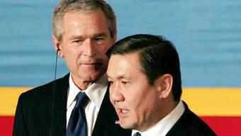 2005 war die Welt Enchbajars noch in Ordnung, als der damalige US-Präsident George W. Bush die Mongolei besuchte (Archiv).