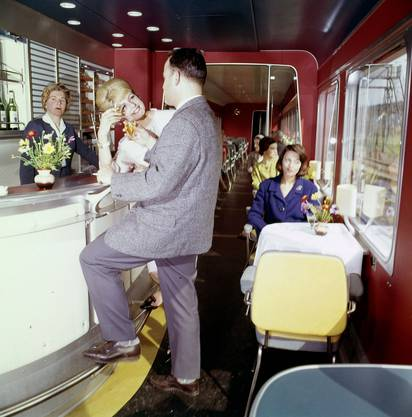 An der Bar im legendären TEE von 1957.
