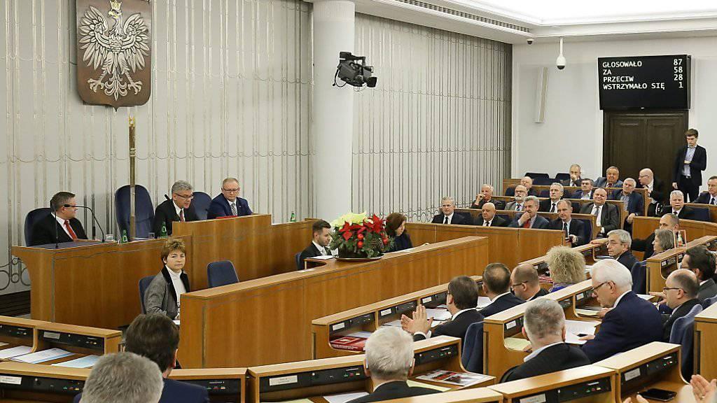 Der polnische Senat stimmte dem neuen umstrittenen Mediengesetz zu. (Archiv)