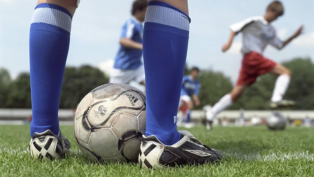 Amateur-Fussball soll die Saison beenden dürfen