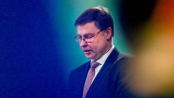 """In einem Brief an den EU-Abgeordneten Markus Ferber schreibt EU-Vizekommissionspräsident Valdis Dombrowskis (Bild), die Fortschritte bei den Gesprächen mit Bern über ein institutionellen Rahmenabkommen reichten """"zum jetzigen Zeitpunkt"""" nicht aus, um die Äquivalenz der Schweizer Börse zu verlängern."""