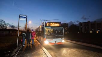Der Bus war gestern erstmals auf der brandneuen Erschliessungsstrasse unterwegs.