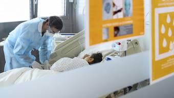 Die Spitaleinweisungen wegen schwerer Covid-19-Erkrankungen bringen viele Spitäler an den Anschlag. (Symbolbild)