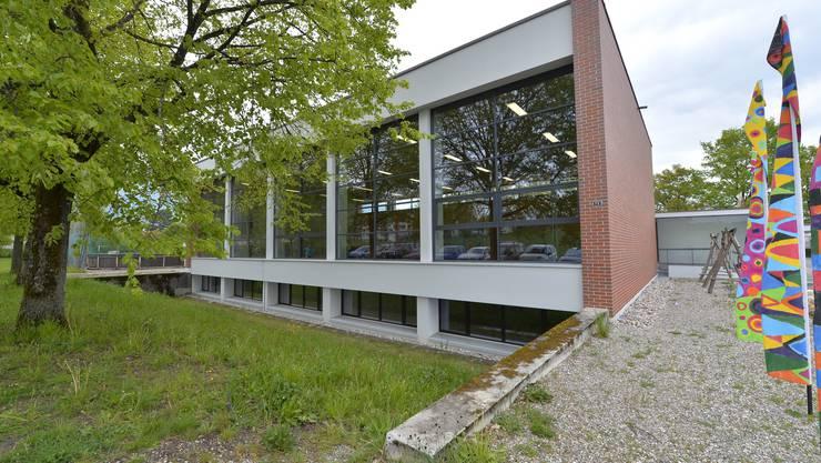 Die Räume unter der Eichholz-Turnhalle sollen für die Tagesschule ausgebaut werden.