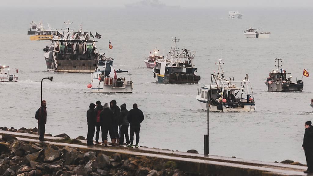 Jersey-Nachbarinsel Guernsey fordert Einigung in Fischerei-Streit