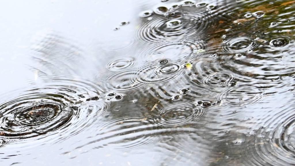 Regen, Regen, Regen: In Teilen des Tessins regnet es seit Sonntagabend. (Themenbild)