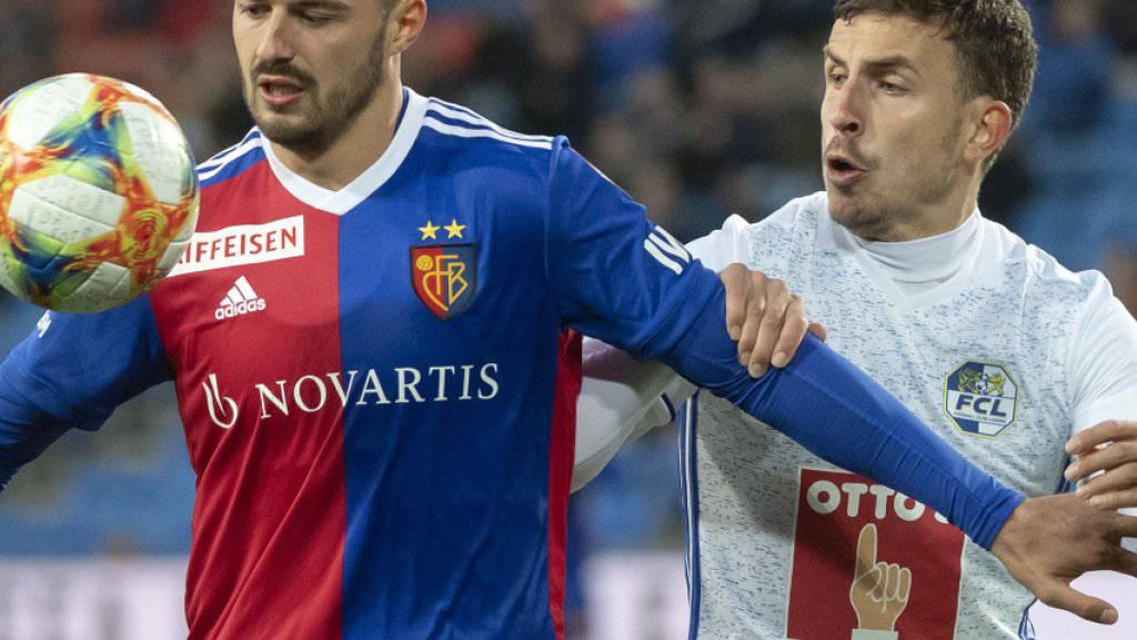 Der Basler Torschütze Albian Ajeti (links) im Duell mit Luzerns Olivier Custodio