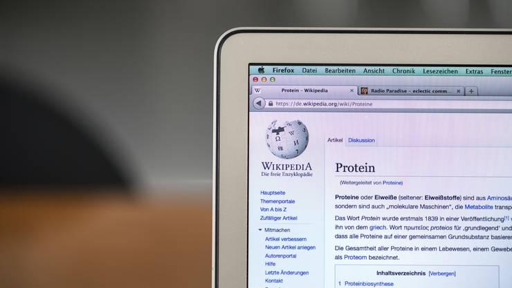 Wikipedia ist vor allem an Universitäten noch nicht als seriöse wissenschaftliche Quelle anerkannt. Der Schweizer Archivtag soll aufklären.