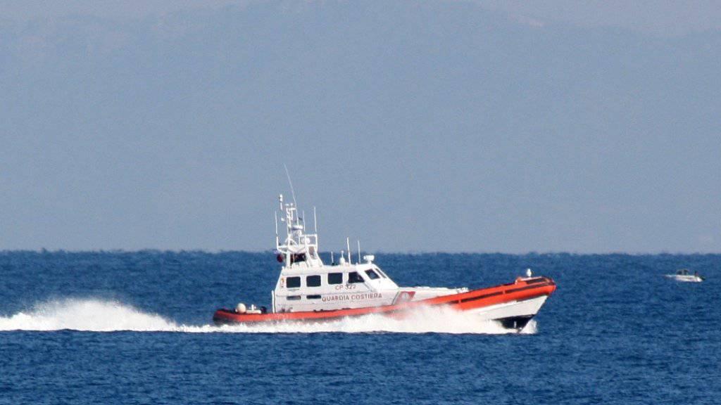Die Grenzschutz-Agentur Frontex soll zu einem europäischen Grenz- und Küstenschutz ausgebaut werden. Die Schweiz müsste dafür mehr Grenzwächter anstellen. (Archivbild)