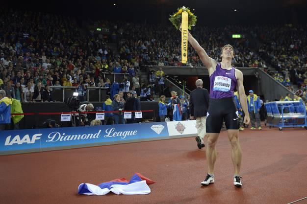 So sehen Sieger aus: Sergej Schubenkow sichert sich nach dem WM-Sieg auch den ersten Platz im Letzigrund