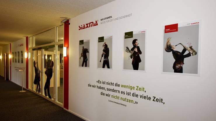 Im Demoraum der Siaxma AG in Oensingen können Zeiterfassungs- und Zutrittskontrollsysteme 1:1 begutachtet werden.