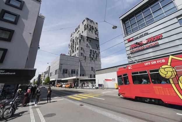 Das Meret Oppenheim-Haus schürt Hoffnungen auf eine Aufwertung der Güterstrasse.