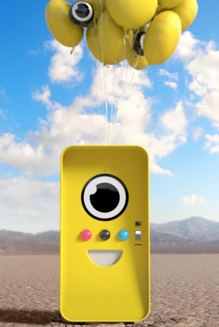 An solchen Automaten, den SnapBots kann die Sonnenbrille gekauft werden. Einmal wurde ein Automat am Grand Canyon aufgestellt. Um möglichst schnell da zusein hat ein Pilot einen Hubschrauber gemietet. So konnte er sich gleich mehrere Brillen ergattern. Mittlerweile gibt es auch einen permanenten SnapBot im Firmensitz von Snapchat in New York. Das macht die Angelegenheit ein bisschen einfacher.