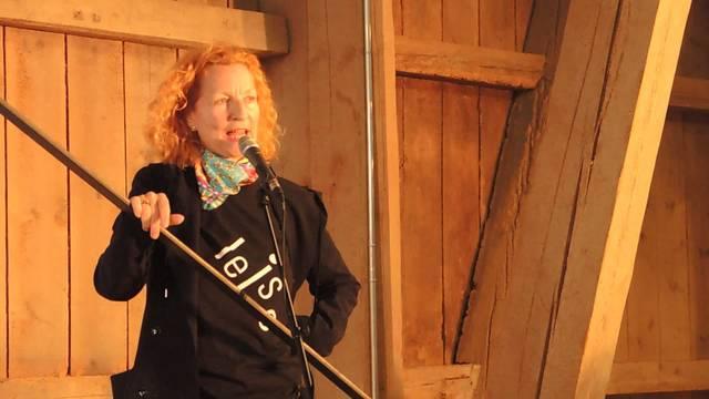 Die Rede von Brigitta Luisa Merki, künstlerische Leiterin des Projekts «leise brüllen» in Windisch.