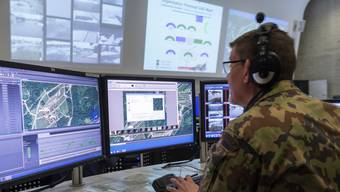 Nach dem Willen des Ständerats sollen die Cybertruppen  bis zu 150 IT-Spezialisten und 400 Milizangehörige umfassen. (Symbolbild)