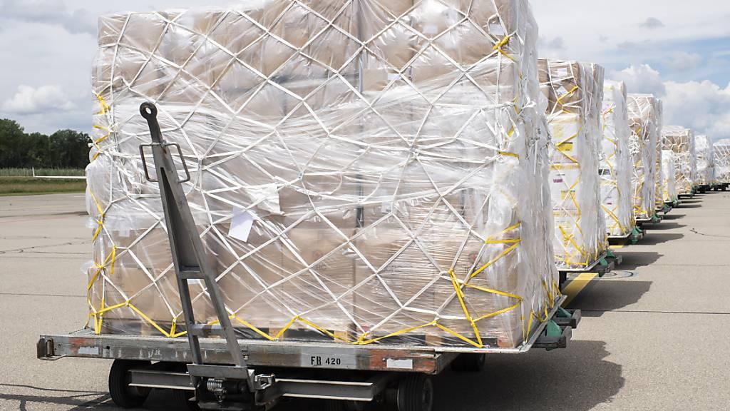 Die Exporte aus der Schweiz sind im Juli stagniert. (Symbolbild)