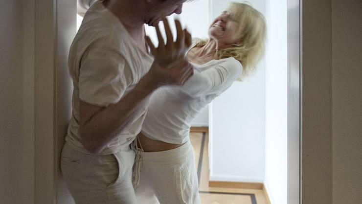 Häusliche Gewalt gegen Männer wird oft unterschätzt (Symbolbild).