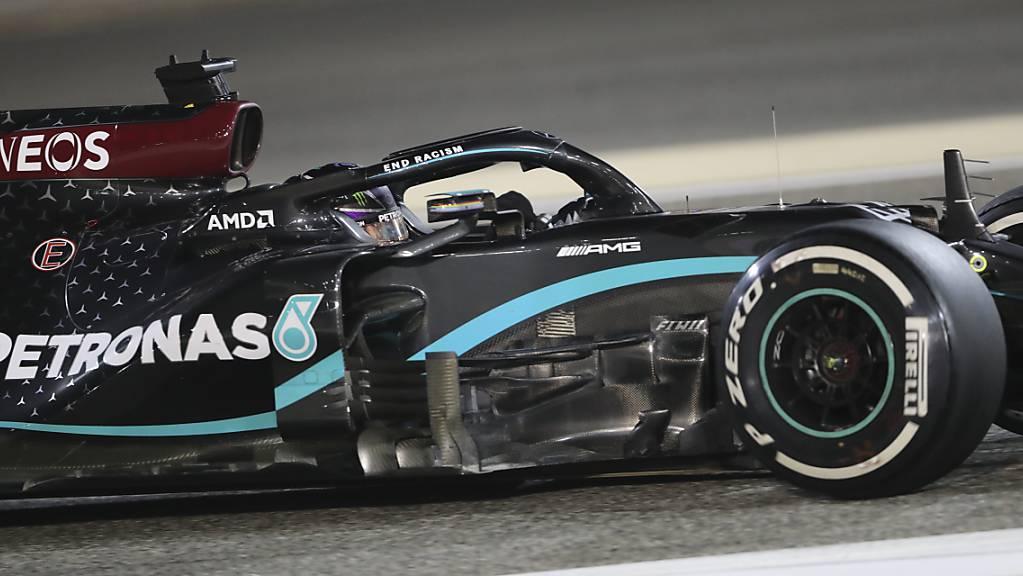 Lewis Hamilton wird seine Jagd nach einem neuerlichen WM-Titel in Bahrain beginnen.