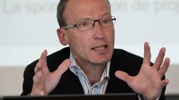 Matthias Kamber, Direktor Antidoping Schweiz, spricht zu den Medienleuten (Archivbild)