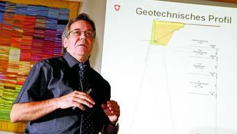 Zusammenhänge: Manfred Misteli erklärt, wie das Gewicht des Langkreisels auf dem Witiboden verteilt wird.