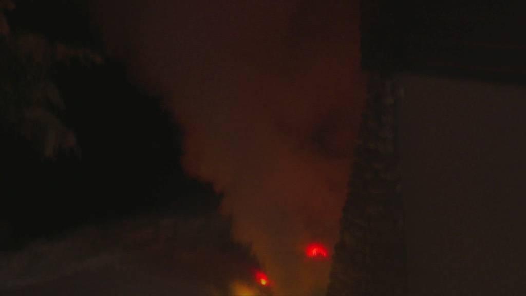 Auf 1500 Meter: Chaletbrand fordert Einsatzkräfte am Pizol