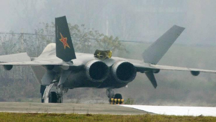 Chinas Kampfflugzeug Chengdu J-20, eine Maschine mit Tarnkappen-Eigenschaften.