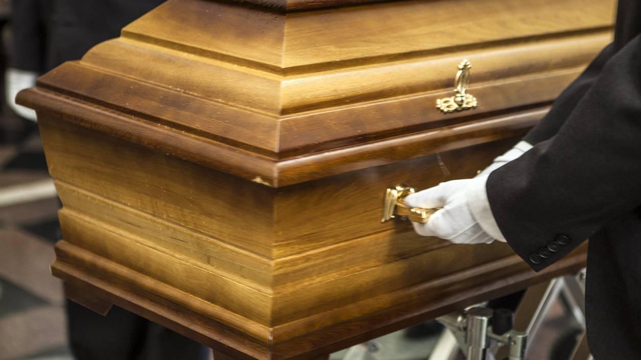 Bestattungen sind im realen Leben nicht ganz so wie in der SRF-Serie. (Symbolbild)