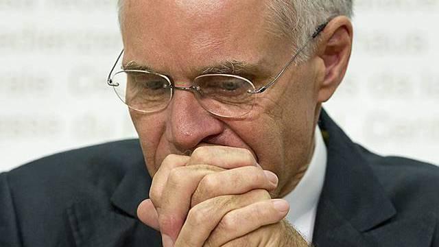Bundesrat Moritz Leuenberger zieht seinen Rücktritt vor.