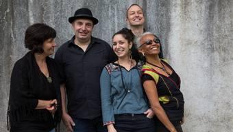 Den Schluss der Späktrum-Saison bildet die World Music Band Azul.