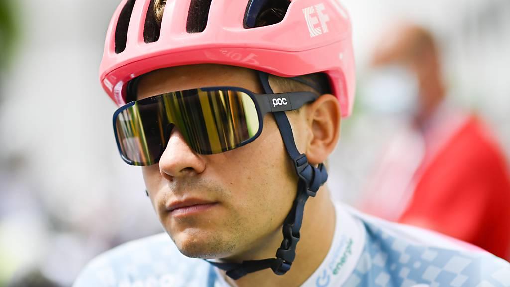 Stefan Bissegger, beim Auftaktzeitfahren in Frauenfeld Zweiter, gewinnt überraschend die Etappe in Gstaad.