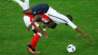 Breel Embolo (Schweizer Rekordtransfer) sattelt den wohlmöglich bald teuersten Transfer aller Zeiten: den Franzosen Paul Pogba.
