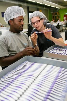 In der grossen Konfektionierungsabteilung im Logistik Center Rothrist warden spannende Aufträge für die Wirtschaft bearbeitet.