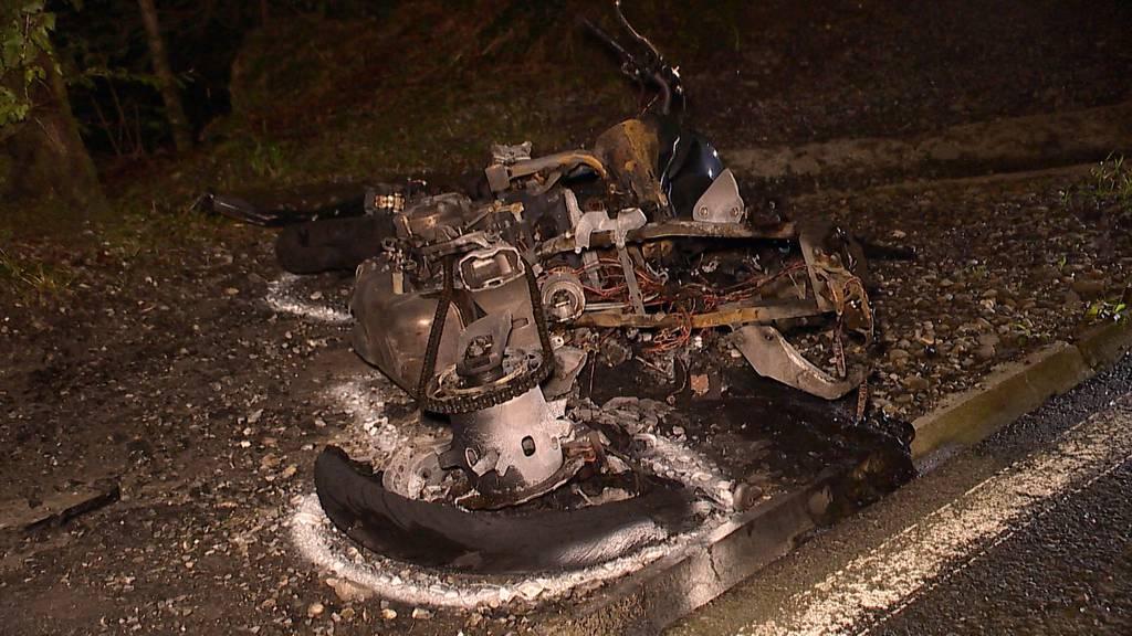 Frontalkollision in Kriens (LU) fordert Verletzte - Töff geht in Flammen auf