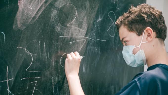 Maskenpflicht an den Schulen. (Symbolbild)