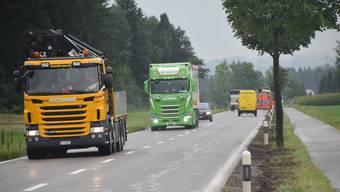 Von einem Lastwagenverbot auf der Staffelegg hält die ASTAG Sektion Aargau nichts. (Symbolbild)