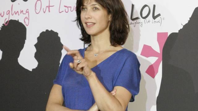 1500 Euro wurde für Sophie Marceaus Prada-Rock geboten