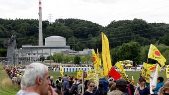 Noch vor drei Jahren wurde für die Stilllegung von Mühleberg protestiert, jetzt klären die Bernischen Kratfwerke die Interessierten über den Rückbau der Anlage auf, der ab 2020 erfolgt.