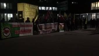 Am Donnerstag, 1. Februar fand in Solothurn bei der Kreuzackerbrücke eine Demonstration statt. Demonstriert wurde gegen die Angriffe des türkischen Staats auf Efrîn.
