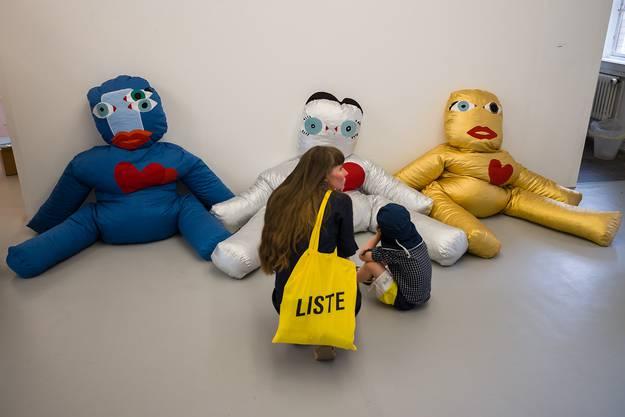 Die Puppen von Dardan Zhegrova in der Warteck.