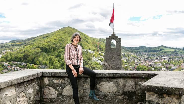 Die parteilose Stadträtin Sandra Kohler im Mai 2019 auf der Schlossruine Stein.