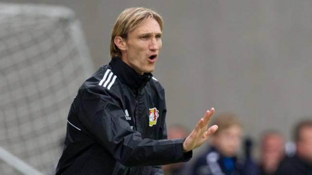 Sami Hyypiä als Trainer bei Bayer 04 Leverkusen.