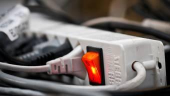 Gesunkene Marktpreise und interne Einsparungen sollen für den etwas günstigeren Strom verantwortlich sein. (Archiv)