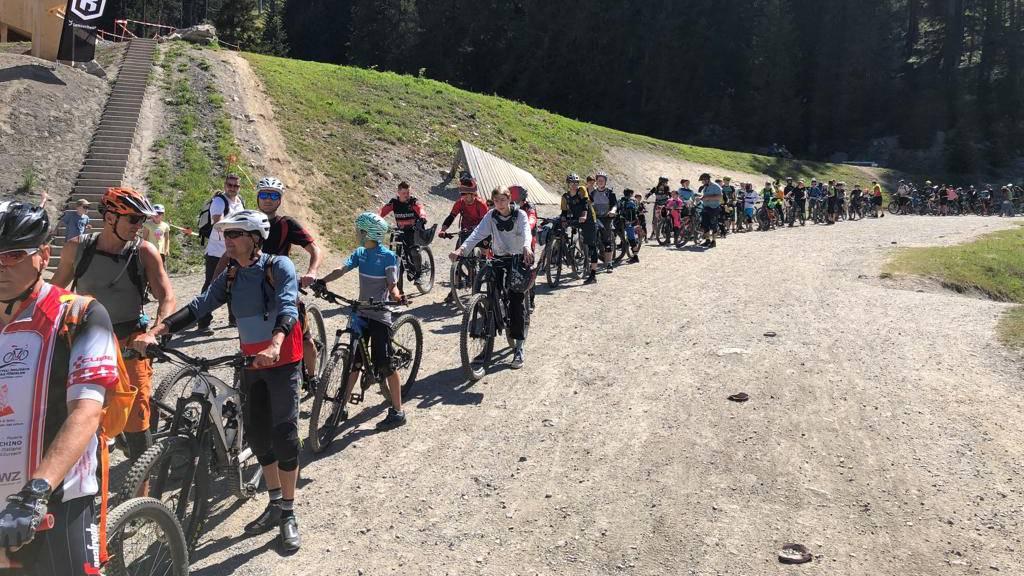 Biker stehen Schlange – «Es könnte ein Rekordsommer werden»