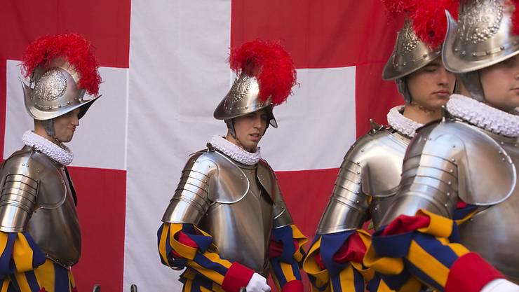 Die neuen Mitglieder der Päpstlichen Schweizergarde werden künftig auch bei der Tessiner Kantonspolizei ausgebildet. (Archivbild)