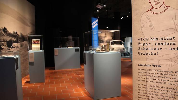 """Das Museum Burg Zug erzählt vom 23. November 2017 bis 8. Juli 2018 in der Ausstellung """"Anders.Wo."""" Zuger Aus- und Einwanderungsgeschichten. Im Mittelpunkt stehen fünf Personen, so auch der 2003 geborene Leandros Urech."""
