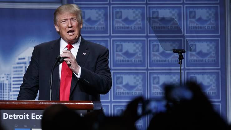 Wollte nach einer Woche voller Kontroversen endlich wieder einmal für positive Schlagzeilen sorgen Donald Trump.